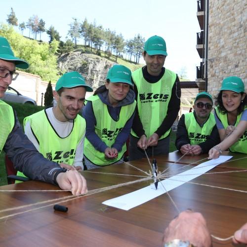 """Тиймбилдинг """"Мисия: Сътрудничество"""" с Schneider Electric"""